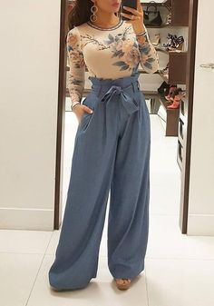 Palazzo Pants Outfit For Work. 14 Budget Palazzo Pant Outfits for Work You Should Try. Palazzo pants for fall casual and boho print. High Waisted Flowy Pants, Flowy Pants Outfit, Wide Leg Denim, Wide Leg Pants, Long Pants, Blue Trousers, Mode Outfits, Fashion Outfits, Looks Kate Middleton