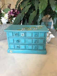 Upcycled Vintage Jewelry Box / Shabby Chic Musical Jewelry Box / OOAK Chalk Painted Wooden Jewelry C