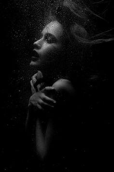 B/W Dramatic portrait Dark Photography, Black And White Photography, Portrait Photography, Fashion Photography, Underwater Photos, Underwater Photography, Photos Du, Photoshoot, Fine Art