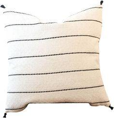 Living Room Pillows, Sofa Pillows, Accent Pillows, Living Room Decor, Throw Pillows, Pillos, Natural Pillows, Perfect Pillow, Florida Home