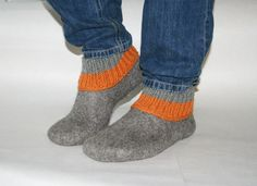 Mens slippers  - felted wool slippers - Men house shoes - felted wool clogs - Fathers day gift - Brown - Grey - Black $84.87