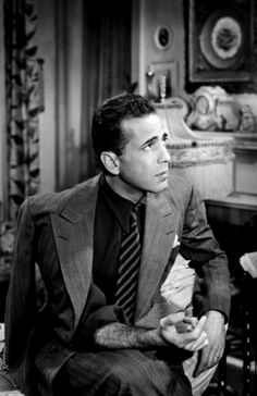 Always a Class Act =-= Humphrey Bogart, Ruggedly Handsome, Too ! Old Hollywood Glamour, Hollywood Stars, Classic Hollywood, Hollywood Actor, Classic Movie Stars, Classic Films, Bogart Movies, Bogie And Bacall, Old Fashioned Love