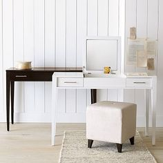 Flip-top vanity for storing makeup products…a place to get ready w/o fighting for bathroom space! Black Vanity Table, Vanity Desk, Vanity Tables, Mirror Desk, Mirror Vanity, Mirrors, Home Design, Interior Design, Small Apartments