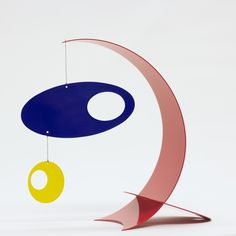 Hanging Mobile Gallery specializes in decorative hanging art including kinetic mobiles by top mobile designers for home and nursery decor. Hanging Mobile, Hanging Art, 3d Mobile, Alexander Calder, Mobiles Art, Kraft Box Packaging, Mobile Sculpture, Modern Tabletop, Metal Tree Wall Art