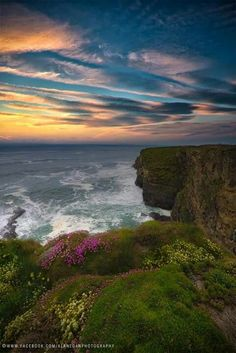 Oh let us see another day! Bless us all this night, I pray, And to the sun we all will bow And say, good-bye … but just for now!  ~  Welsh poet and writer, Dylan Thomas (1914-1953)  That's all for today, friends.  Good night from old Ireland, we'll see you in your dreams...  (M) <3  Pic.  Kerry coast, near the village of Causeway by Alan Egan https://www.facebook.com/AlanEganphotography