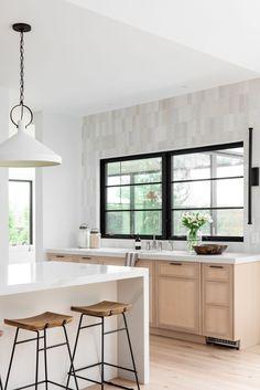 Modern & Minimal Living & Kitchen Space - Studio McGee Modern Kitchen Design, Modern House Design, Interior Design Kitchen, Modern Interior Design, Modern Townhouse Interior, White Contemporary Kitchen, Interior Designing, House Kitchen Design, Contemporary Home Design
