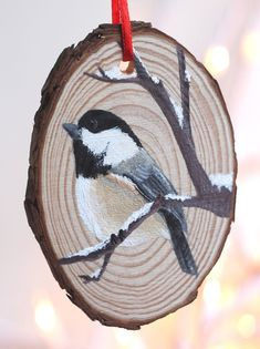 Wood christmas ornaments - 40 Amazing Wood Slice Painting Ideas For Beginners – Wood christmas ornaments Christmas Craft Fair, Painted Christmas Ornaments, Woodland Christmas, Wooden Ornaments, Christmas Wood, Christmas Projects, Holiday Crafts, Christmas Decorations, Bird Ornaments