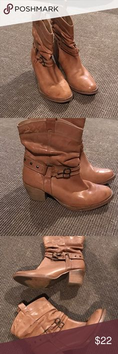 Steve Madden Tanner boots Steve Madden Tanner leather boots in good condition on leather and soles Steve Madden Shoes