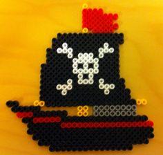 Pirate schiff hama beads by Perlefiskeren