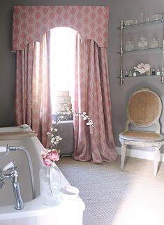 country bathroom decor ideas - Internal Home Design Pelmet Designs, Curtain Designs, Curtain Ideas, Pink Curtains, Curtains With Blinds, Curtain Valances, Bedroom Drapes, Roman Blinds, Curtain Panels