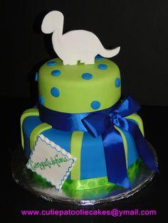 Dinosaur Baby Shower cake !!! This is wonderful just looks like the dinosaur needs color.