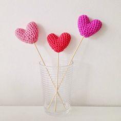 Free crochet hearts pattern