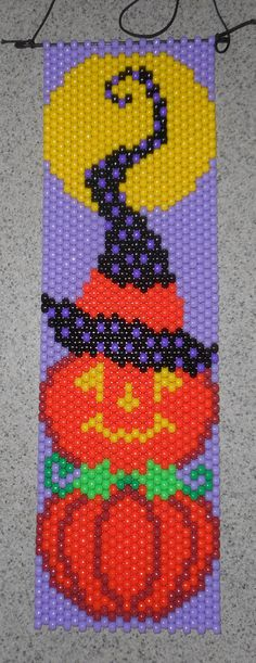 Items similar to Handmade Halloween Moonlight Pumpkin Beaded Banner with Nylon Cord Hanger on Etsy Pony Bead Patterns, Peyote Patterns, Beading Patterns, Beading Ideas, Halloween Art Projects, Halloween Patterns, Diy Projects, Beading Projects, Pony Bead Projects