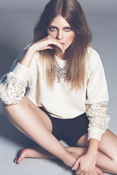 Vogue.es by ESTÉVEZ + BELLOSO Make-up & Hair: MARINA ALEJANDRE (Talents) for MAC / Art Lab-Aveda   Digital assistant & retoucher: Daniel Plateado