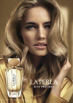 Reklama perfum La Perla Just Precious