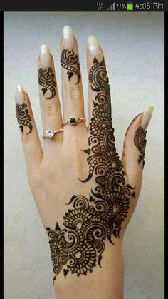 "The Arabic mehndi designs are usually visible on wedding day and ""Henna nights"". They also call Henna night as ""the night before the wedding day"". ""Henna nights"" is the occasion wherein the friends. Henna Tattoo Designs, Henna Tattoos, Peacock Mehndi Designs, Et Tattoo, Mehndi Patterns, Arabic Mehndi Designs, Mehndi Tattoo, Mehndi Designs For Hands, Mehandi Designs"