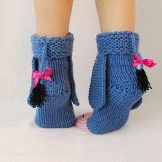 Eeyore knitted donkey socks from Winnie the Pooh! Eeyore knitted donkey socks from Winnie the Pooh! Wool Socks, Knitting Socks, Hand Knitting, Knitting Patterns, Disney Crochet Patterns, Knitting Needles, Crochet Slippers, Knit Crochet, Knitting Projects