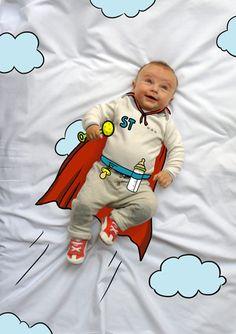 Teo de Mayor quiere ser SúperHéroe. Fotografia & Ilustración Creativa de bebés y niños soñadores. bebé baby