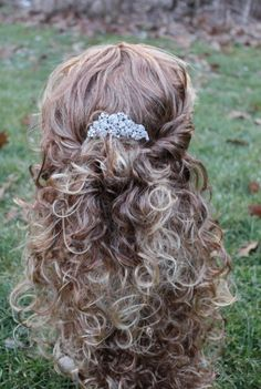 Bridal hair comb rhinestone,wedding comb,crystal bridal comb,wedding hair accessories,bridal headpieces,wedding hair comb crystal,hair comb. $49.00, via Etsy.