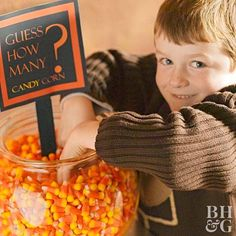 The Best Halloween Games for Kids: Planning a Halloween Party for Kids? Here are of the most fun Halloween Games for Kids ever! These easy DIY Halloween Party Games for kids are sure to be a HUGE hit at your kids Halloween Party! Halloween Tags, Diy Halloween Party, Halloween Party Activities, Bonbon Halloween, Halloween Games For Kids, Cheap Halloween, Halloween Buffet, Halloween Birthday, Family Halloween