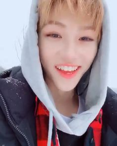 That strong accent tho Funny Kpop Memes, Kid Memes, Flipagram Video, Sarah Andersen, Kpop Gifs, Young K, Felix Stray Kids, Crazy Kids, Kids Videos