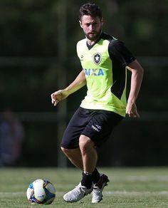 BotafogoDePrimeira: João Paulo volta aos treinos, e Jair simula Botafo...