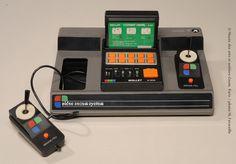 Console de jeu 4/303 et une cartouche de jeux, Rollet, entre 1980 et 1983 - ©Musée des arts et métiers-Cnam, Paris/photo M. Favareille
