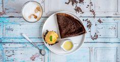 Chocoladeflensjes met mangoijs en wittechocoladesaus Panna Cotta, Breakfast, Ethnic Recipes, Food, Morning Coffee, Dulce De Leche, Eten, Meals, Morning Breakfast