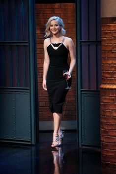 At 30, Jennifer Lawrence Remains Hollywood's Cool Girl Next Door | Vogue Jennifer Lawrence Feet, Jenifer Lawrence, Jennifer Lopez, Miranda Kerr, Celebrity Dresses, Celebrity Style, Celebrity Women, Night Looks, Big Night