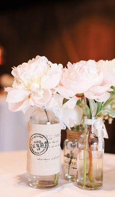Een romantisch stilleven voor een sprankelende trouwerij. Het is de aankleding bij Mereveld die het verschil maakt voor jullie huwelijk. #Mereveld Utrecht in TOP 5 populairste trouwlocaties van Nederland!