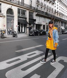 "234 mentions J'aime, 5 commentaires - Méryl Mow (@merylmow) sur Instagram: "" #yellow #justinbieber #bus #smile #vans"""