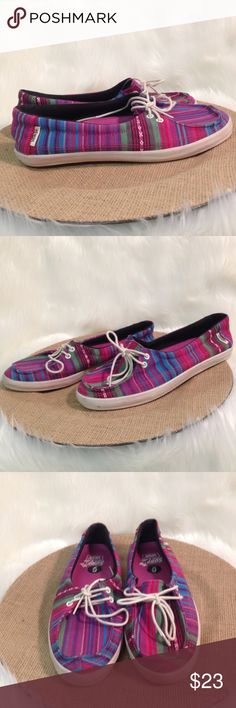 VANS Surf Siders Slip On Beach Shoes Size 6 From VANS Striped surf siders Size 6 Gently used From a smoke free and pet friendly home Vans Shoes Flats & Loafers