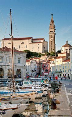 """Piran. O nome da Cidade vem do grego """"pyr"""", que significa 'fogo'( em alusão a antigo Farol existente). Eslovênia."""