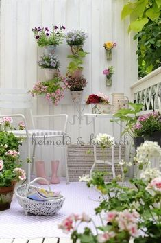 1000 images about dise os espacios exteriores on for Decoracion balcones pequenos