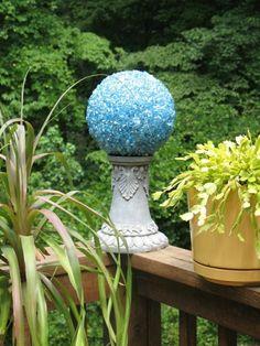 Gartensäule Kugel Balkon Deko Ideen Sommer