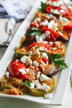 Picture Caprese Salad, Bruschetta, Vegetable Recipes, Vegetables, Ethnic Recipes, Food, Veg Starter Recipes, Veggies, Essen