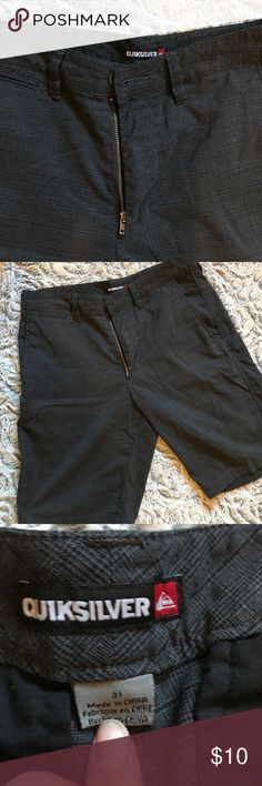 Men's size 31 quicksilver shorts Men's size 31 quicksilver shorts in good condition quicksilver Shorts Flat Front