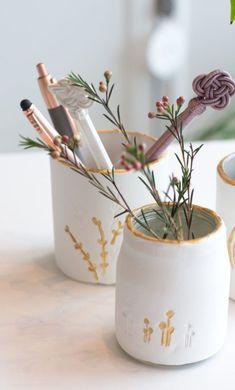 Zarte Vasen aus Fake Porzellan - DIY • House No 37 Polymer Clay, Planter Pots, Fimo, Cold Porcelain, Glass Bottles, Vases, Homemade, Gifts, Modeling Dough