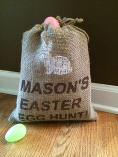 Easter Egg Hunt Burlap Bag with bunny,  Personalized jute bag for easter #2014 #easter #burlap #gag www.loveitsomuch.com