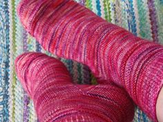 Lankaterapiaa: Pinkit sukat - Dancing on Rainbow socks by Heli Rajavaara