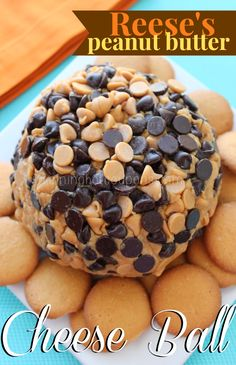 Calling all you Reese's lovers out there (or peanut butter fanatics which would be me)! This next recipe for a Reese's Peanut Butter Cheese Ball is seriously delicious! Just Desserts, Delicious Desserts, Yummy Food, Fall Desserts, Sweet Desserts, Tasty, Dessert Dips, Dessert Recipes, Dessert Cheese Ball
