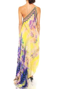 Shop the latest fashion maxi dresses by Shahida Parides with love. Find your perfect look Day to night convertible Style for women editors pick. Yellow_Designer_Maxi_Dresses and Long_Designer_Dresses Yellow Wedding Dress, Yellow Dress, Dress Wedding, Cowgirl Style Outfits, Boho Outfits, Gypsy Dresses, Maxi Dresses, Party Dresses, Fashion Dresses