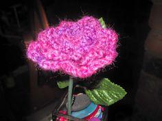 [Free Pattern] In Full Bloom Crochet Rose Brooch - Knit And Crochet Daily