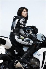 ❤️ Women Riding Motorcycles ❤️ Girls on Bikes ❤️ Biker Babes ❤️ Lady Riders ❤️ Girls who ride rock ❤️TinkerTailorCo ❤️ ❤️ Motorbike Girl, Motorcycle Outfit, Motorcycle Girls, Lady Biker, Biker Girl, Women Riding Motorcycles, Custom Motorcycles, Chicks On Bikes, Ducati Monster