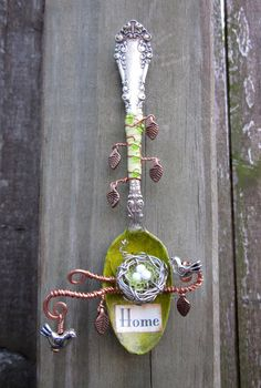 Spoon (minus embellishments) for Gate handle? Altered Tins, Altered Bottles, Altered Art, Silverware Jewelry, Spoon Jewelry, Bullet Jewelry, Women's Jewelry, Fork Art, Spoon Art