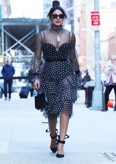 Priyanka Chopra Wows in Three Looks for Her NYC Press Day: Photo Priyanka Chopra is having a busy day of press in the Big Apple and she has been spotted in three chic looks! The actress kicked off the day at The… Celebrity Style Guide, Celebrity Style Inspiration, Celebrity Crush, Ford Vintage, Priyanka Chopra Dress, Tom Ford, Arabian Costume, Peplum Dress, Dress Up