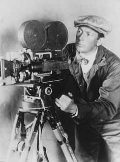 10- Friedrich Wilhelm Murnau (1888-1931) [Alemania]. Películas: 1- Amanecer. 2- El Ultimo. 3- Nosferatu. 4- Fausto. 5- Tabú.