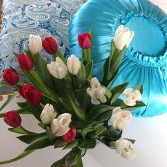 """Härliga kudden """"Glamour"""" finns i 20st olika färger via Malin Jönsson. Click on the image to see more!"""