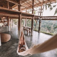 Have you ever been to Ubud Bali? When I think of Ubud I think of 2 words: magical and mystical. How would you describe it? Cure For Allergies, Stay In A Treehouse, Never Stop Dreaming, Villa, Enjoy Your Weekend, Loft, Lessons Learned In Life, Travel Kits, Solo Travel