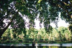 Love the scale of this wedding photo // Photography: Courtney Illfield